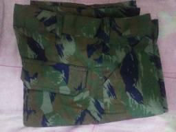 Calça camuflada exército