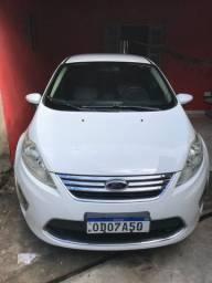 Ford Fiesta SE 2013 1.6