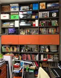 Estante para livros com portas basculantes Todeschini