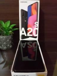 Celular a20s Samsung na caixa usado