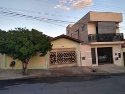 Vendo ou troco Casa + Sobrado
