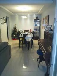 Título do anúncio: Casa em Condomínio, fino acabamento com armários planejados de primeira linha  !