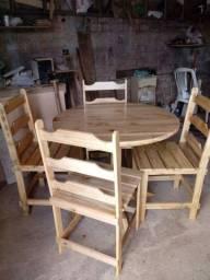 Mesa 4 cadeiras de madeira