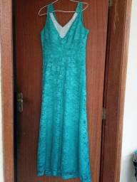 Vestido de festa usado uma única vez.