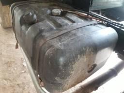 Tanque de combustível de caminhão