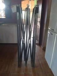 Armação  de tenda safonada medindo 3×3