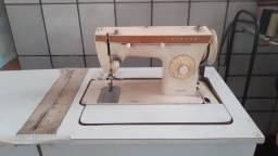 Maquina de costura singer reta e zig zag