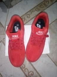 Tênis Nike Air force camurça