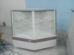 Balcão seco e refrigerado mais balcão caixa