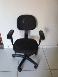 Cadeira de escritório por R$ 120,00