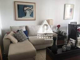 Excelente apartamento de 2 quartos em Flat no centro do Flamengo, com 2 varandas!
