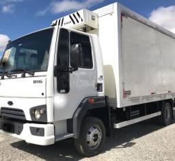 Ford Cargo 816 baú refrigerado 2015