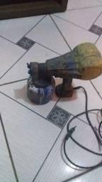 Estou vendendo uma pistola de pintar elétrica tudo funcionando duzentão levo