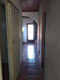 Alugo casa com 3 dormitórios em Porto Alegre bairro passo das pedras