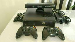 Título do anúncio: Xbox 360 Slim Destrava RGH 4GB - Impecável