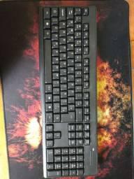 Vendo mause e teclado sem fio semi novo 2 meses de uso