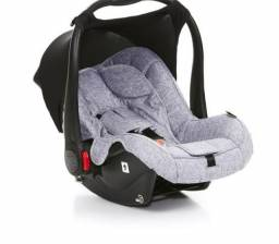 Bebê conforto Risus Marca Abc design + base isofix para carro