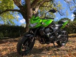 Kawasaki Z750 2012 com apenas 18500km