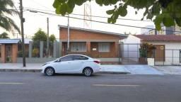Casa na Av São Pedro com 3 dormitórios