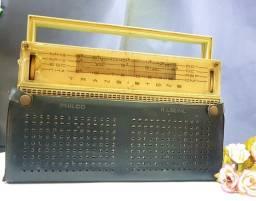 Antigo rádio Philco Transistone