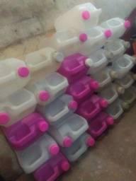Lote de galão 5 litros (vazio,usado para produtos de limpeza)