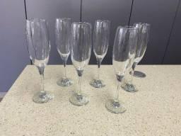 Conjunto com 6 taças de champagne