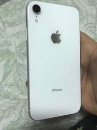 iPhone XR branco 64g
