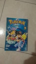 Livro pokemon 3 em ótimo estado
