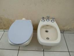 Vaso sanitário e bidê celite em ótimo estado de conservação