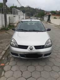 Carro Peugeot Clio - 2011