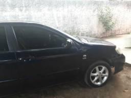 Vende-se ou troca-se por carro de menor valor - 2006