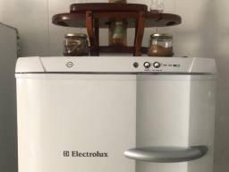 Freezer Vertical Eletrolux 260l