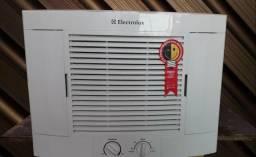 Vendo ar condicionado 7.500 BTUs 110 volts