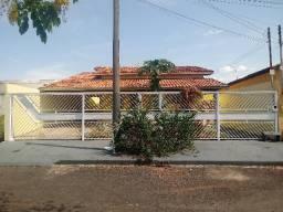 Casa de 3 Quartos - Bandeirante