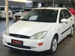 FOCUS 2000/2001 2.0 GHIA SEDAN 16V GASOLINA 4P MANUAL