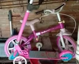 Bicicleta e patenete infantil feminina