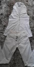 Calça e blusa brancas 30.00 as 2 peças