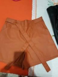 Dois shorts ,duas saias no couro e uma calça n 42