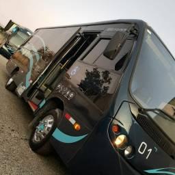 Micro ônibus com banheiro