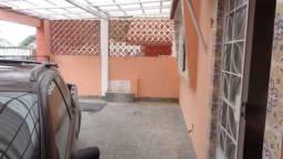 B. Castrioto, casa 2 quartos e garagem para 2 carros