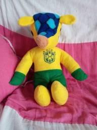 Boneco de pelúcia do Fuleco(Brasil)