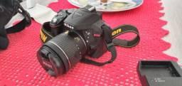 Camera Nikon D5300 com acessórios - novíssima