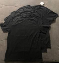 Título do anúncio: 3 Camisetas Novas / Cor: Preto Tamanho: P