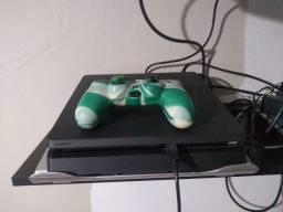 PlayStation 4 de um TR
