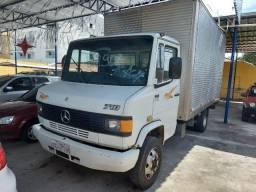 Mercedes 710 - Caminhão Baú