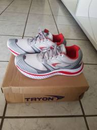 Tênis esportivo Tryon novo original N 40