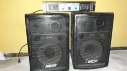 Amplificador e duas caixas