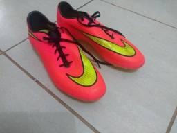 Chuteira de campo Nike Hypervenom Tamanho 42