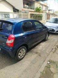 Toyota Etios X 1.3 completo 15/15