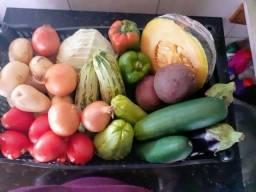 Cesta de legumes (legumes selecionados)